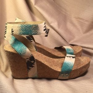 Lucky Brand NWOT cork wedge leather sandal